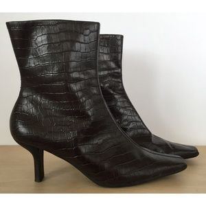 NINE WEST Brown Leather Gator Ankle Boots Sz 7.5